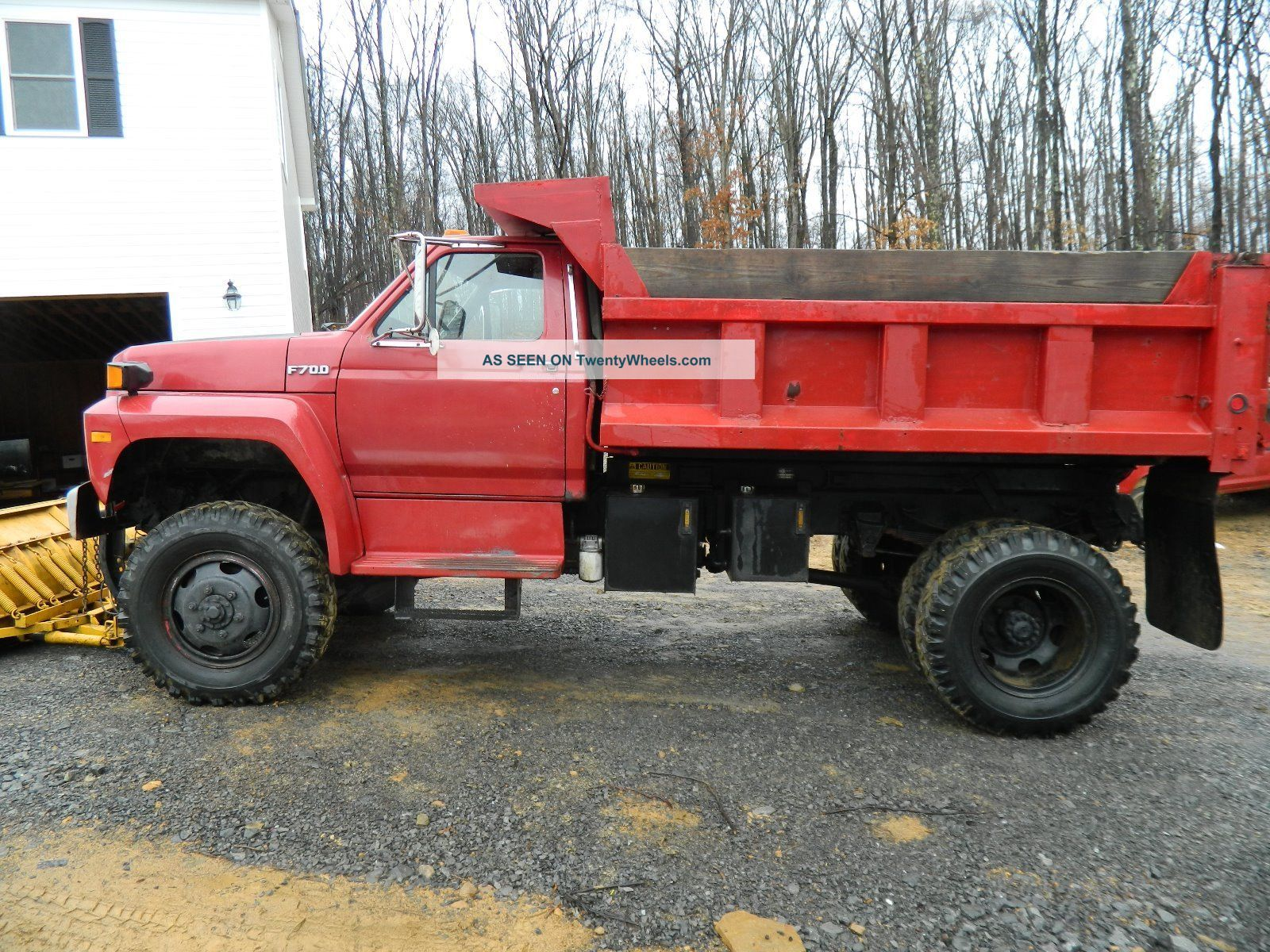 42707 1989 ford f700