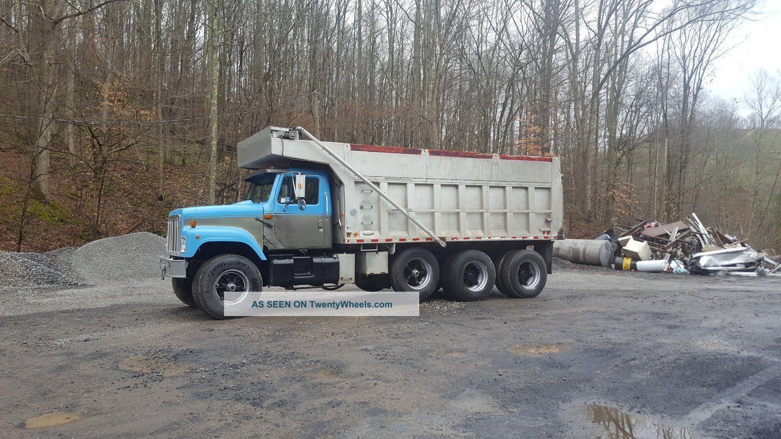 1995 International S Dump Trucks photo
