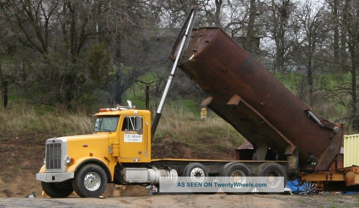 1990 Peterbilt Peterbilt Dump Trucks photo