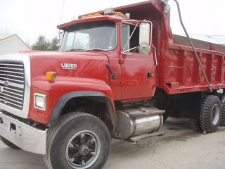 1994 Ford L 8000 photo