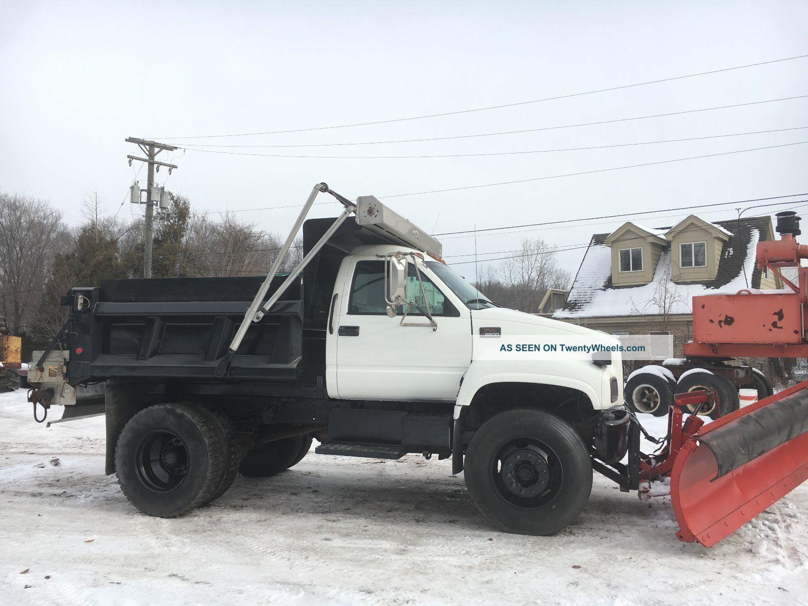 2001 Chevrolet C6500 Dump Trucks photo