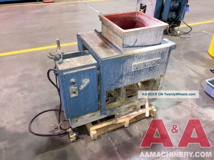 Almco Batch Tub Vibratory Machine 24285 Finishing Machines photo
