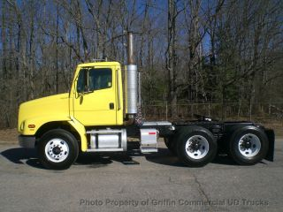 2004 Freightliner Tandem Tractor Just 47k One Owner Nc Truck photo