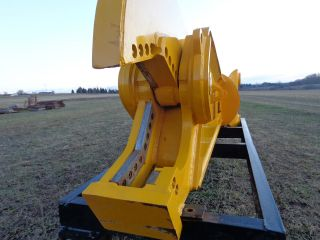 Shear Attachment For Excavator Demtec R3155 photo