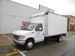 2001 Ford E - 450 Duty Delivery Van 16 Foot Box Truck photo