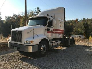 2004 International 9200i photo