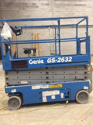 2005 Genie Gs - 2632 Scissor Lift Manlift Boom Aerial Lift Platform Lift Genie photo