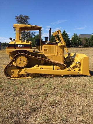 Caterpillar D6r photo