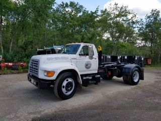 1999 Ford F 800 photo