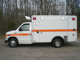 2006 Ford Ambulance Just 22k Miles One Owner Stored Indoors photo
