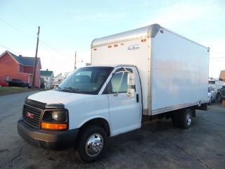 2005 Gmc 3500 Express Savana Delivery Van 16 Foot Box Truck photo