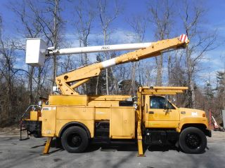 1998 Gmc 7500 Altec Material Handler photo