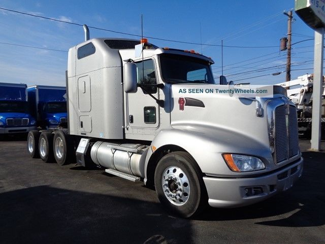 2012 Kenworth T660 Sleeper Semi Trucks photo