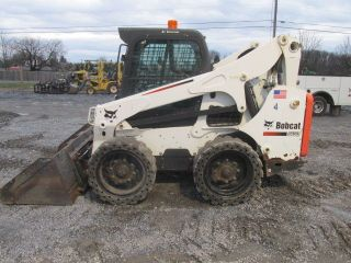 2011 Bobcat S750 Skid Steer Loader W/ Cab photo