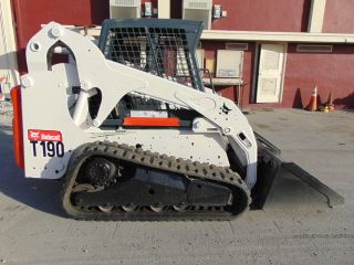 2011 Bobcat T - 190 Turbo - Tracks Today - Bucket - Kubota Diesel photo