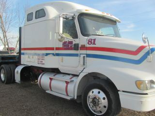 2005 International 9400i photo