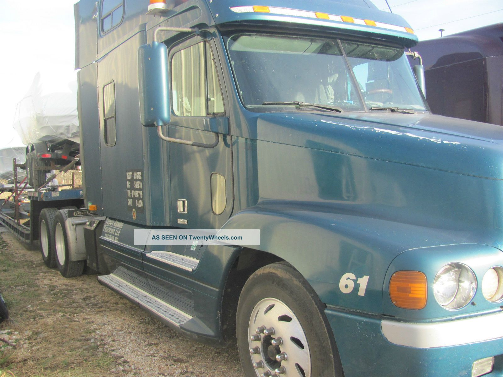 1998 Freightliner Century Sleeper Semi Trucks photo