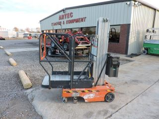 2004 Jlg 12sp Electric Personnel Lift - Genie - Very photo