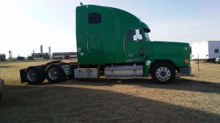 2000 Freightliner photo
