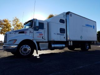 2009 Kenworth T300 photo