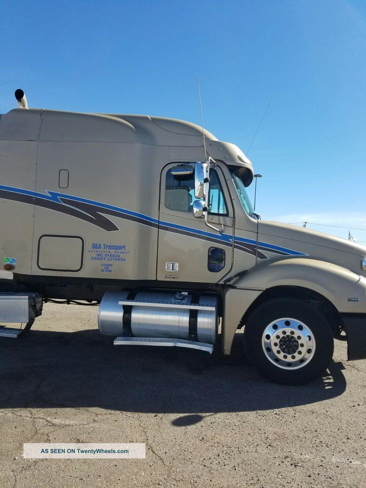 2007 Freightliner Sleeper Semi Trucks photo