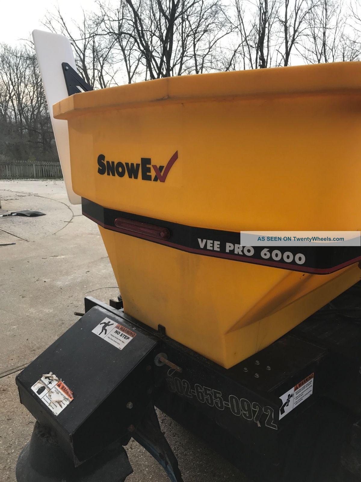 John Deere Gator Snow Plow >> John Deere Gator Cab Boss Snow Plow Salt Spreader