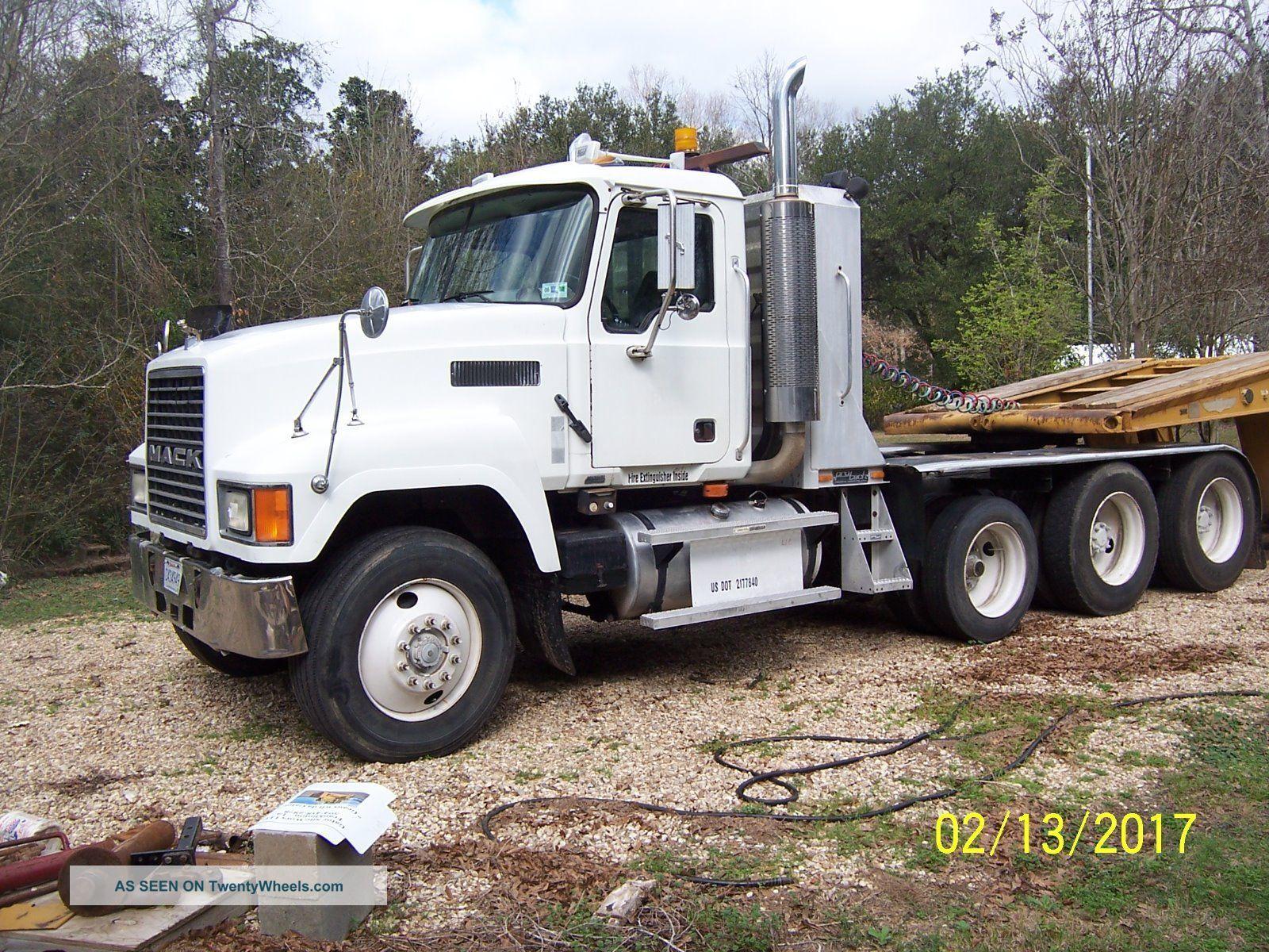 2004 Mack Other Heavy Duty Trucks photo