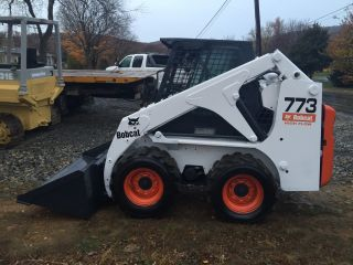 Bobcat 773 Skid Steer Wheel Loader Rubber Tire Wheel Loader Bob Cat photo