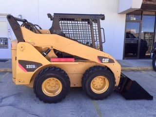2007 Caterpillar Skid Steer Loader; Model 232b2 photo