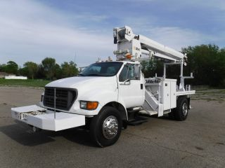 2003 Ford F750 photo