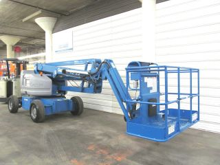 Genie Z45/25 Dc,  Electric Boom Lift,  Manlift,  45 ' Lift,  Jlg E450a E450aj Aerial photo