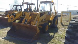Case 480f 2wd Industrial Loader W/open Cab - - Finance Available. . . photo