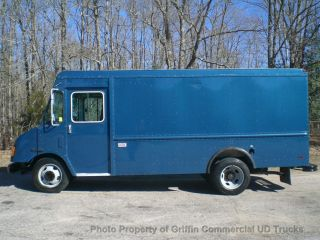 2003 Workhorse Step Van Just 7k One Owner Diesel Diesel Heavy Spec Chassis With A/c photo