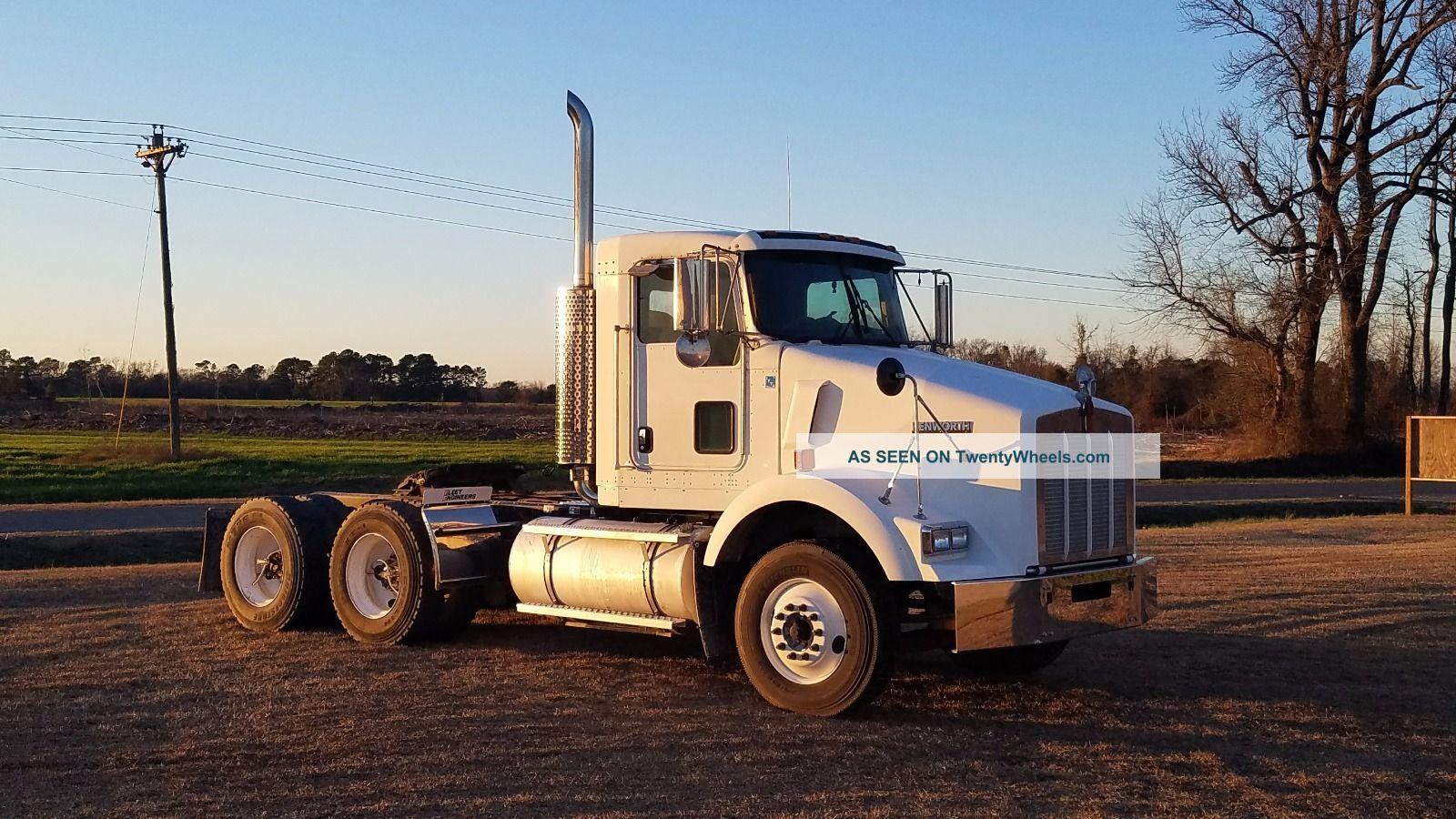 2006 Kenworth T - 800 Sleeper Semi Trucks photo