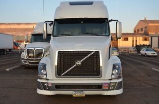 2011 Volvo Vnl 670 photo