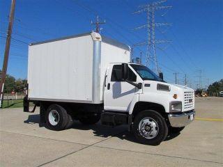 2007 Gmc C6500 Box Truck photo