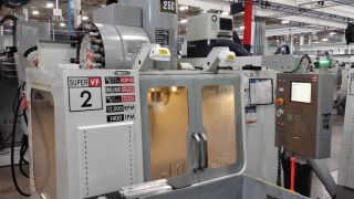 Haas Vf - 2ss Cnc Vertical Machining Center Mill 12,  000 Rpm 24 Atc Vmc 2006 photo