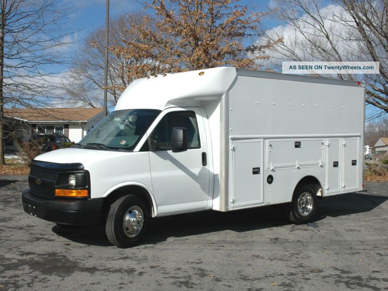 2009 Chevrolet G3500 Enclosed Utility Utility & Service Trucks photo