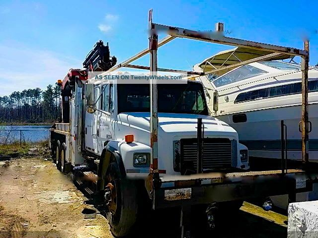 2002 Freightliner Fl80 Bucket/Boom Trucks photo