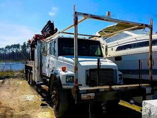 2002 Freightliner Fl80 photo