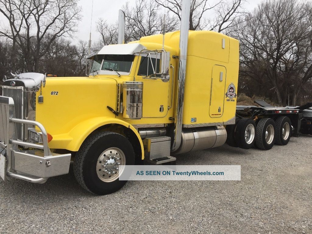 1994 Peterbilt Sleeper Semi Trucks photo