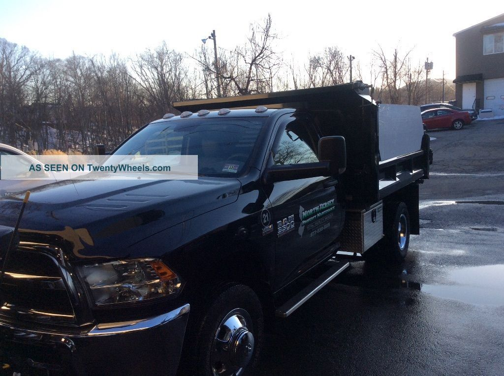 2015 Dodge Ram 3500 Dump Trucks photo