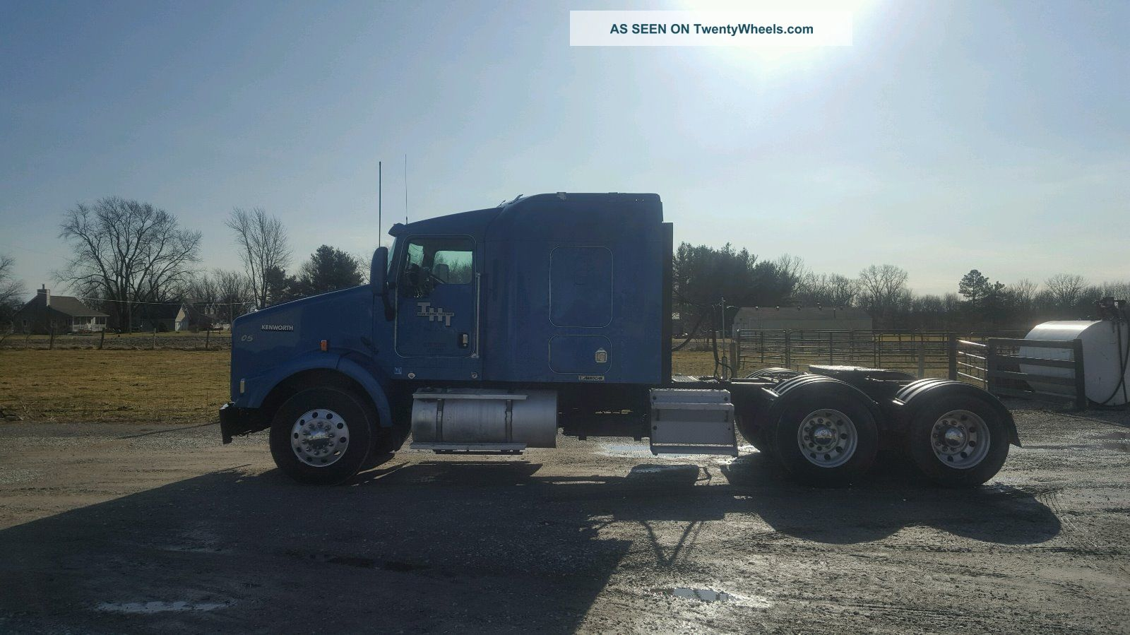 2005 Kenworth T800 Sleeper Semi Trucks photo