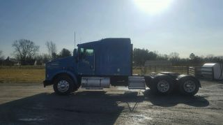 2005 Kenworth T800 photo