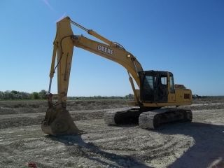 John Deere 200c Lc Crawler Excavator; Auxiliary Hydraulics; 9005 Hrs photo