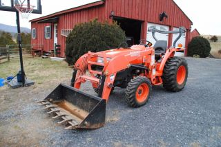 2007 Kubota L3400 With Front Loader And Woods Backhoe - Only 92 Hours photo