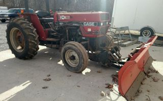 Case Int 485 Tractor W/ Boss V Snow Plow photo