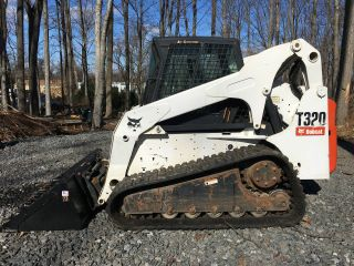 2008 Bobcat T320 Skid Steer photo
