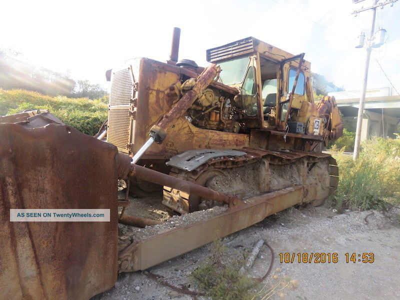 Caterpillar D9h Crawler Tractors.  Caterpillar D9h Dozer With Ripper.  Cat Ripper Crawler Dozers & Loaders photo