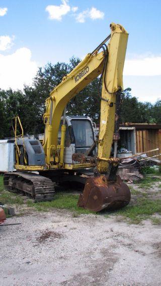 Kobelco Excavator Sk 135 photo